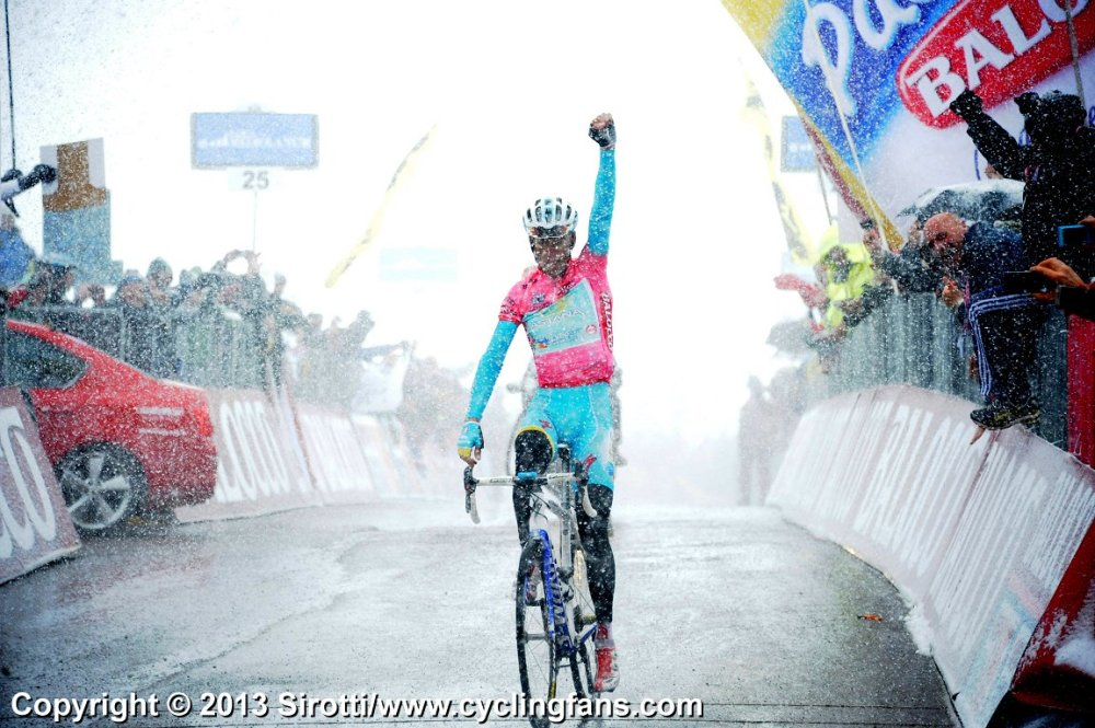 2013_giro_d_italia_stage20_blizzard_vincenzo_nibali_wins1