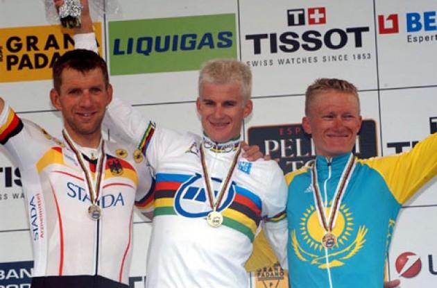 worlds_tt_podium