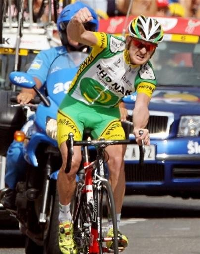 Only 33% of ProCycling readers thought Floyd Landis had taken testosterone. Technically, if we believe Floyd (now there's a can of worms...) they were wrong - because he'd only taken a blood transfusion. Geez, guys,  how could you be so wrong about someone!