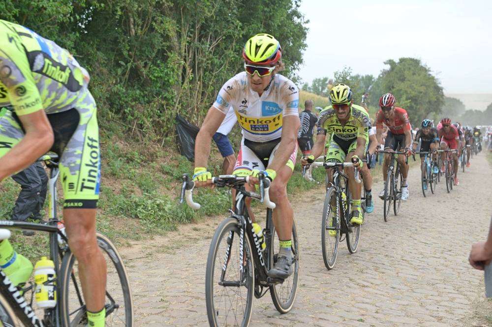 Peter-Sagan-white-jersey-Tour-de-France-stage-four-2015-cobbles-pic-Sirotti